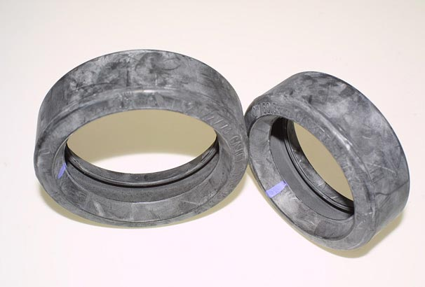 Molded Rubber Ring Seals with Rubber Bloom